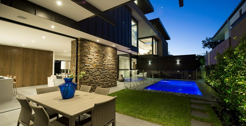 Compact Modern Mansion on Higham Road in Melbourne, Australia by Steve Domoney