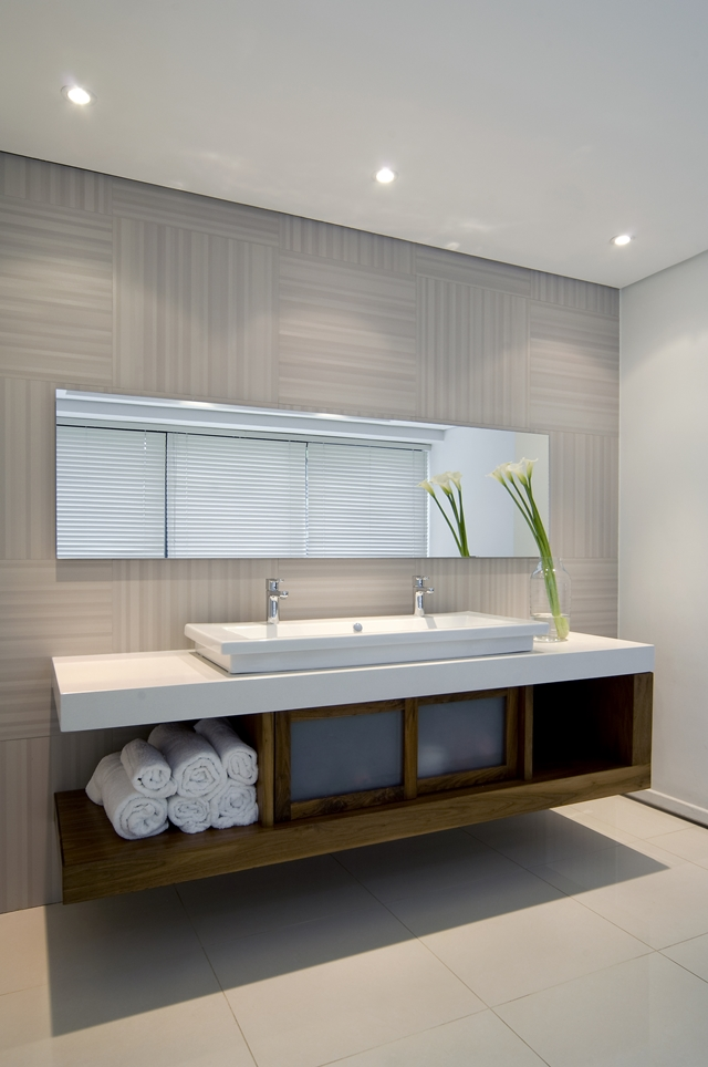 bathroom interior design Dream Home Close to Achieving Perfection- House Mosi by  Nico van der Meulen Architects
