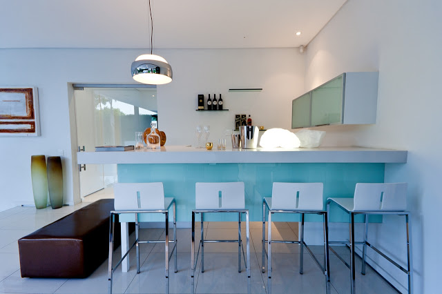 bar area Dream Home Close to Achieving Perfection- House Mosi by  Nico van der Meulen Architects