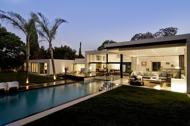 illuminated Dream Home Close to Achieving Perfection- House Mosi by  Nico van der Meulen Architects and swimming pool Dream Home Close to Achieving Perfection- House Mosi by  Nico van der Meulen Architects