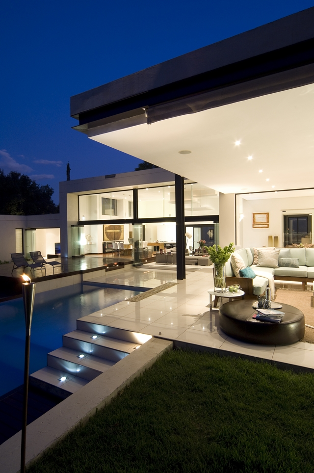 Dream Home Close to Achieving Perfection- House Mosi by  Nico van der Meulen Architects