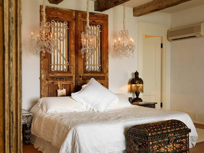 bedroom interior design Extravagant Luxurious Waterfront Mansion with Serene Surroundings