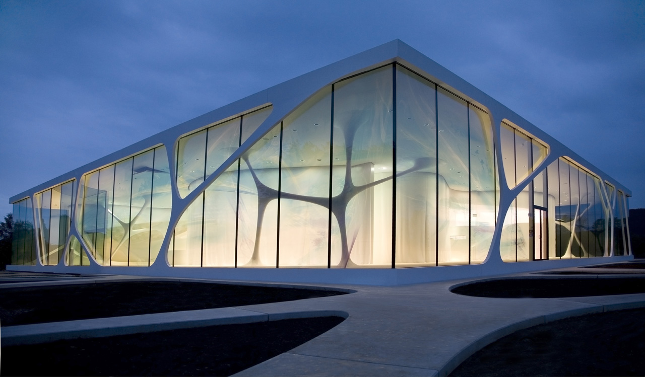 exterior view Fluid and Organic Modern Architecture - Leonardo Glass Cube in Bad Driburg by 3Deluxe homesthetics (6)