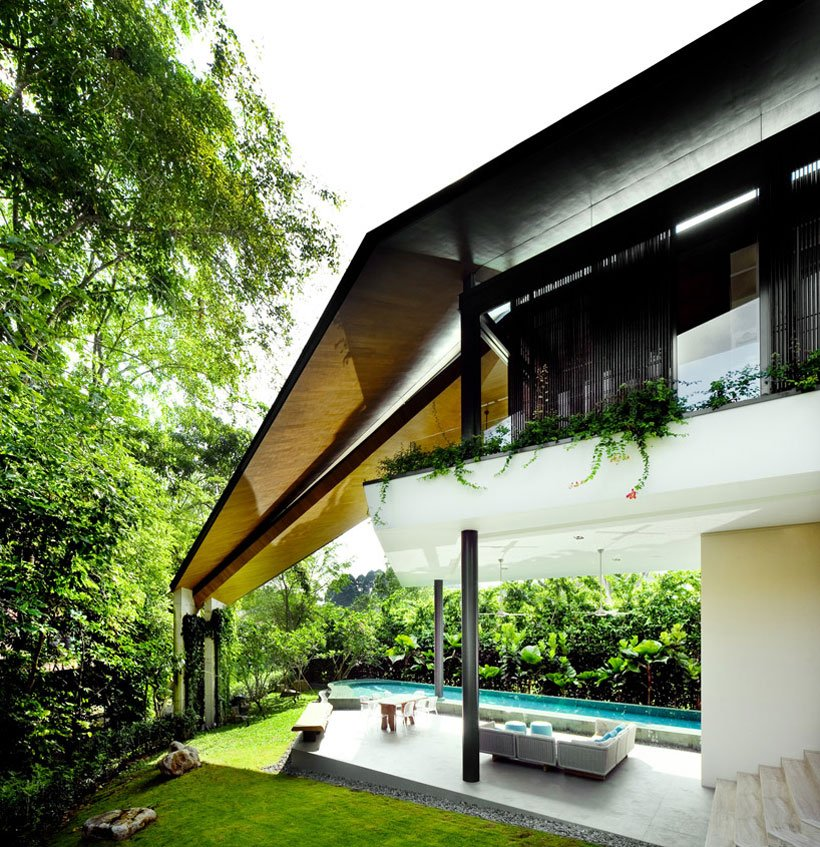 Futuristic Modern Mansion Embeded in Nature-The Winged House in Singapore by K2LD Architects Homesthetics