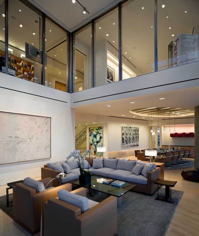 High end penthouse duplex apartment on top of bloomberg for Penthouse apartments in nyc