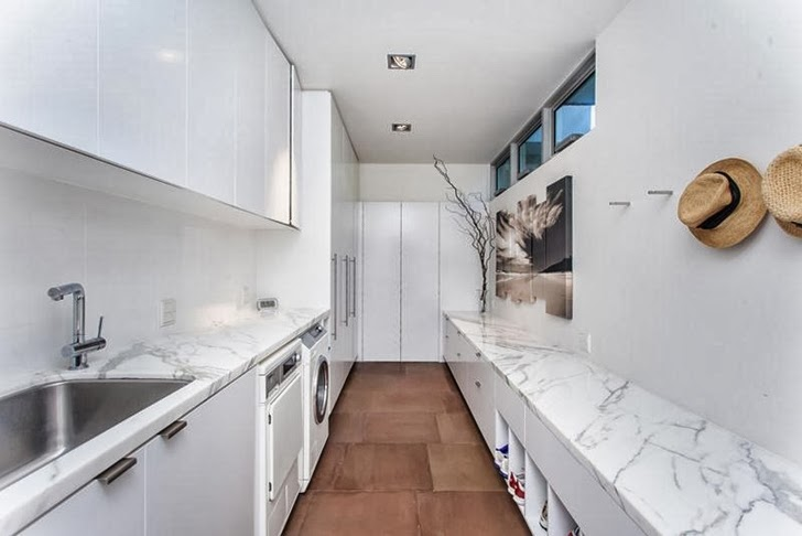secondary kitchen design Imposing-Modern-Residence-in-Casuarina-Australia-Exposing-Its-Structure-homestheticss-mansion