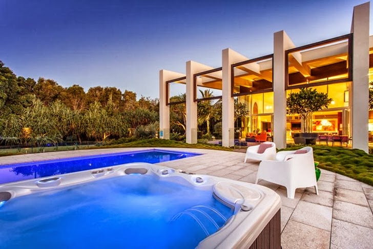 hot tub Imposing-Modern-Residence-in-Casuarina-Australia-Exposing-Its-Structure-homestheticss-mansion