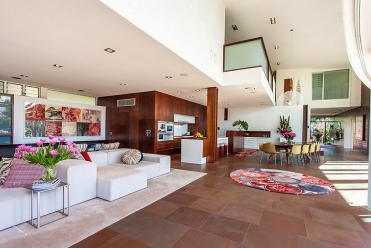 living room Imposing-Modern-Residence-in-Casuarina-Australia-Exposing-Its-Structure-homestheticss-mansion