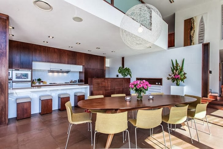 dinning area Imposing-Modern-Residence-in-Casuarina-Australia-Exposing-Its-Structure-homestheticss-mansion