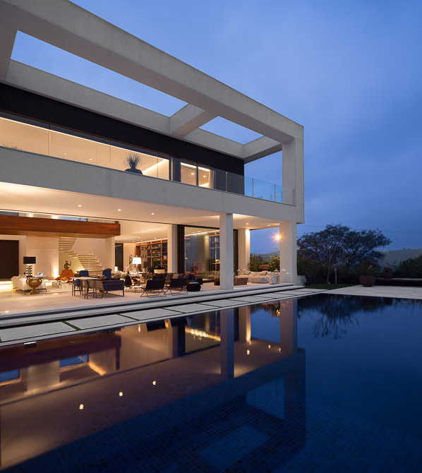 swimming pool terrace Jaragua Residence - Luxurious Modern Mansion in São Paulo, Brazil homesthetics