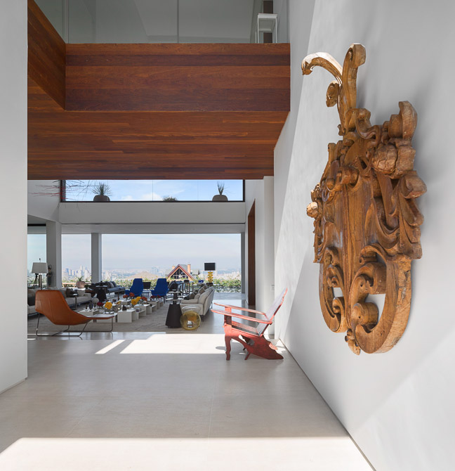 sculpture on the wall of the Jaragua Residence - Luxurious Modern Mansion in São Paulo, Brazil