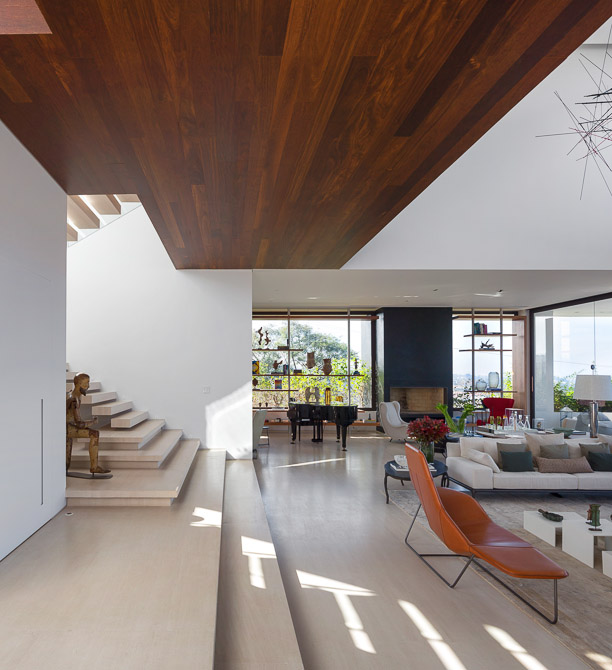 bright and large lobby area Jaragua Residence - Luxurious Modern Mansion in São Paulo, Brazil