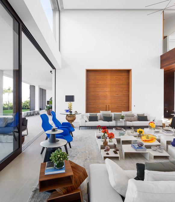 living room interior design with black accents Jaragua Residence - Luxurious Modern Mansion in São Paulo, Brazil