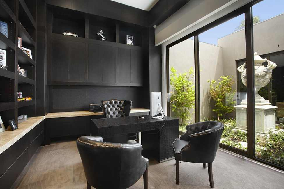 black and white Large Luxurious Modern Mansion in Melbourne Wearing Contemporary Style