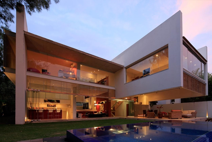 luxurious modern mansion with huge cantilever in contemporary style godoy house in mexico - Huge Modern Houses