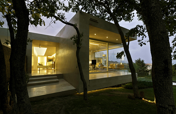 view to the back Marble-L-Shaped-Modern-Mansion-with-Amazing-Backyard-Landscaping