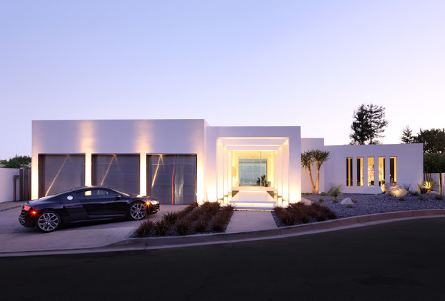 Minimalist modern dream home materialized in beverly hills for Modern mansions in beverly hills
