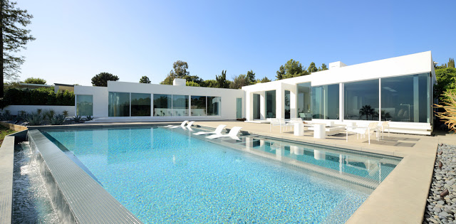 swimming pool Minimalist Modern Dream Home Materialized in Beverly Hills, California homesthetics modern mansion
