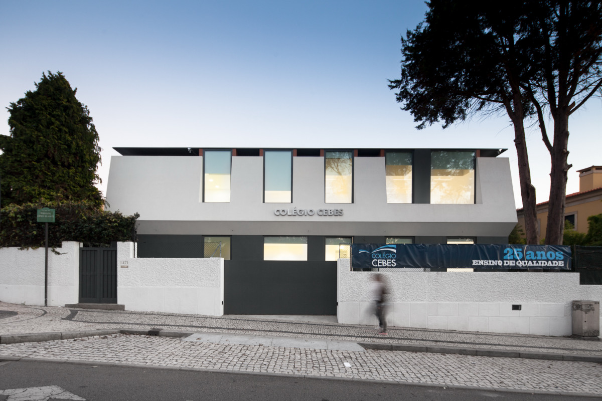Minimalist-Private-College-Designed-by-OVAL-Exudes-Contemporary-Style