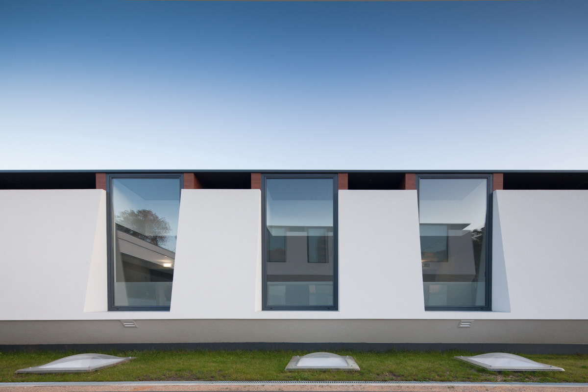 windows rythm Minimalist-Private-College-Designed-by-OVAL-Exudes-Contemporary-Style
