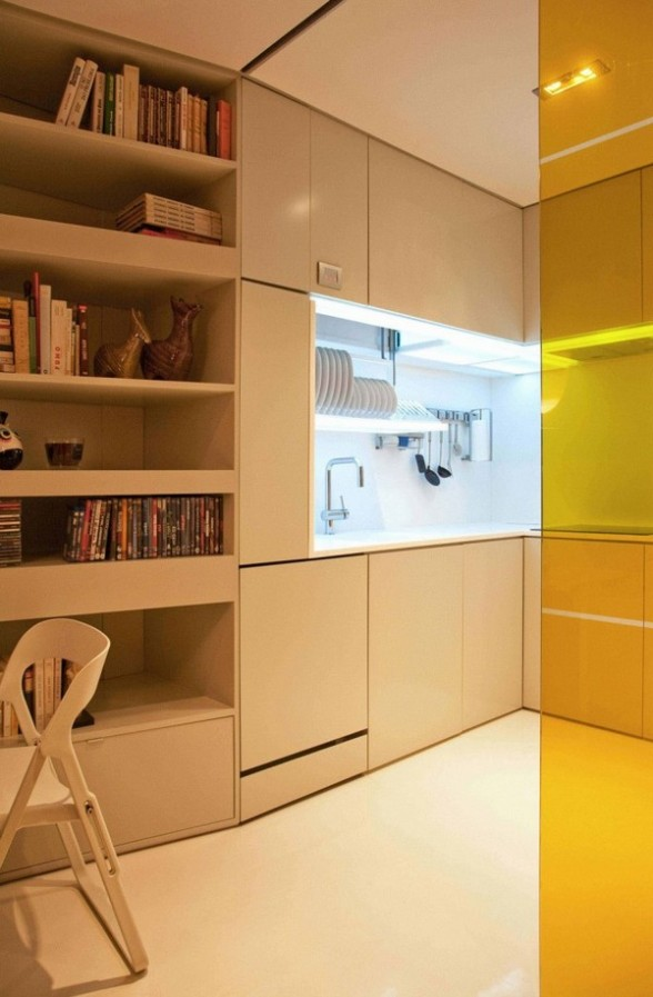 Minimalist Yet Luxurious Interior Design : Closet House by Consexto  compact