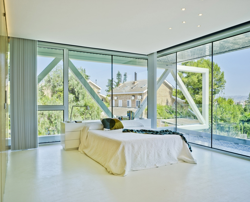 bedroom interior design Modern-Dream-House-mansion-with-Imposing-Cantilever-by-Clavel-Arquitectos