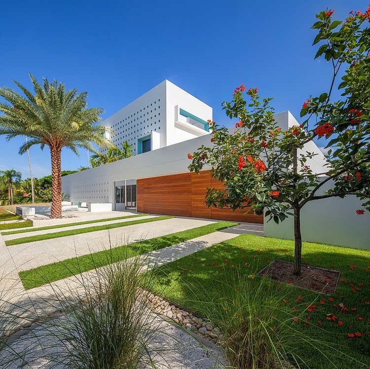 Modern Impeccable Dream Florida Mansion By Office For