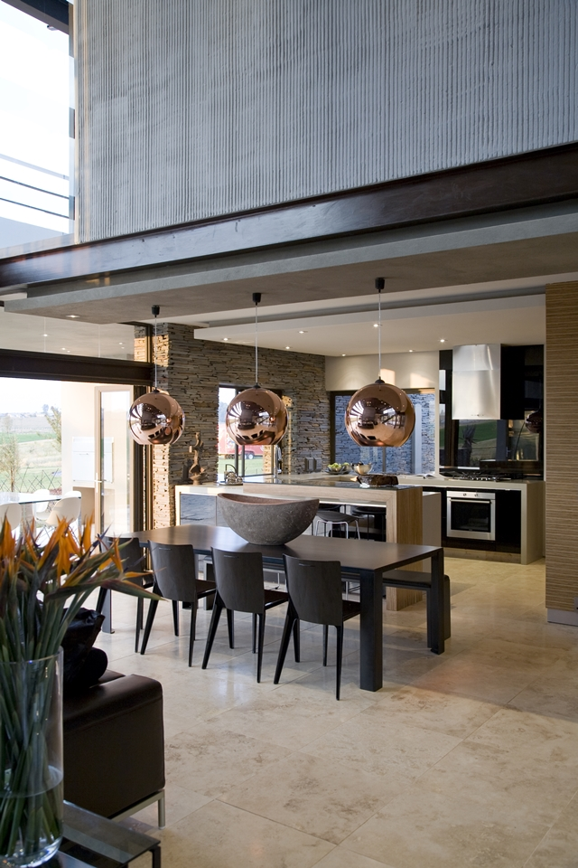 Modern Jewel Between South African Mansions Serengeti