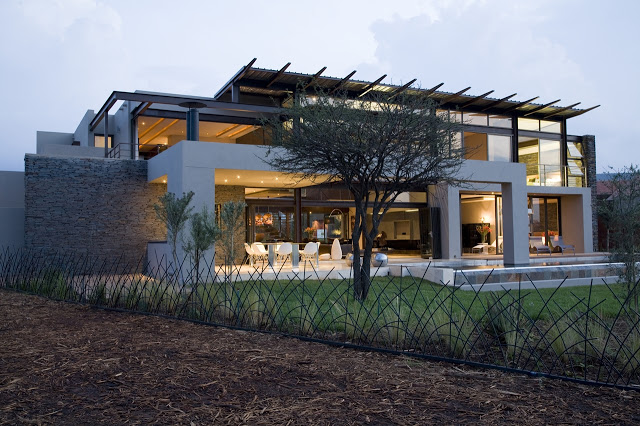 Modern Jewel Between South African Mansions - Serengeti ...