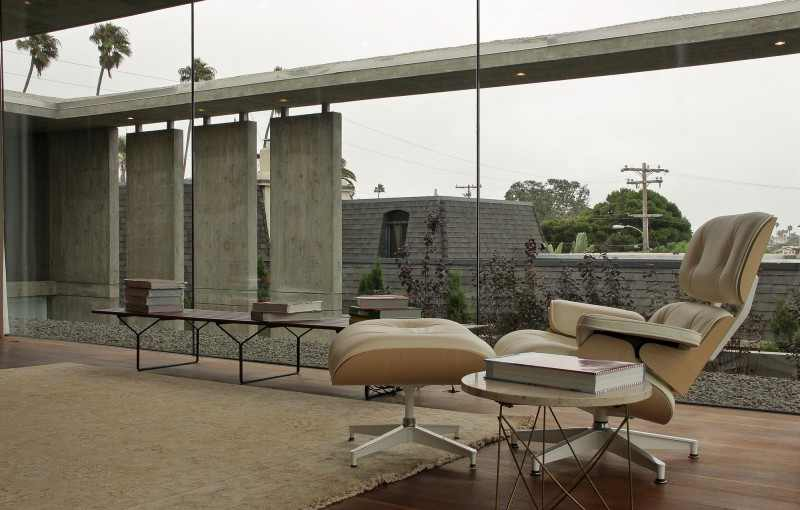 reading knock detail shot Modern Mansion Featuring Exposed Concrete - Cresta Residence in San Diego, California, USA