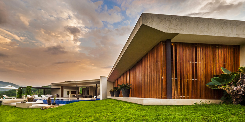 detail shot Modern-Mansion-with-Undefined-Boundaries-in-Colombia-by-Arquitectura-en-Estudio
