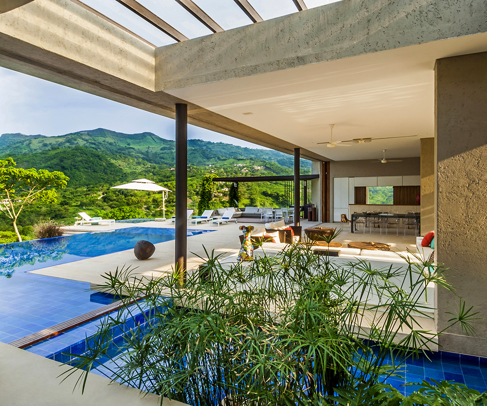 modern living room and backyard landscaping ideas Modern-Mansion-with-Undefined-Boundaries-in-Colombia-by-Arquitectura-en-Estudio