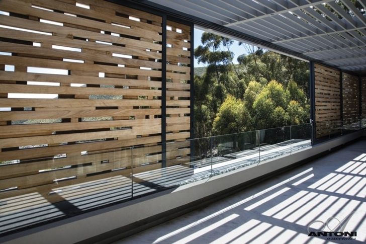detail shot Modern Residence on Head Road 1843 by Antoni Associates in Cape Town