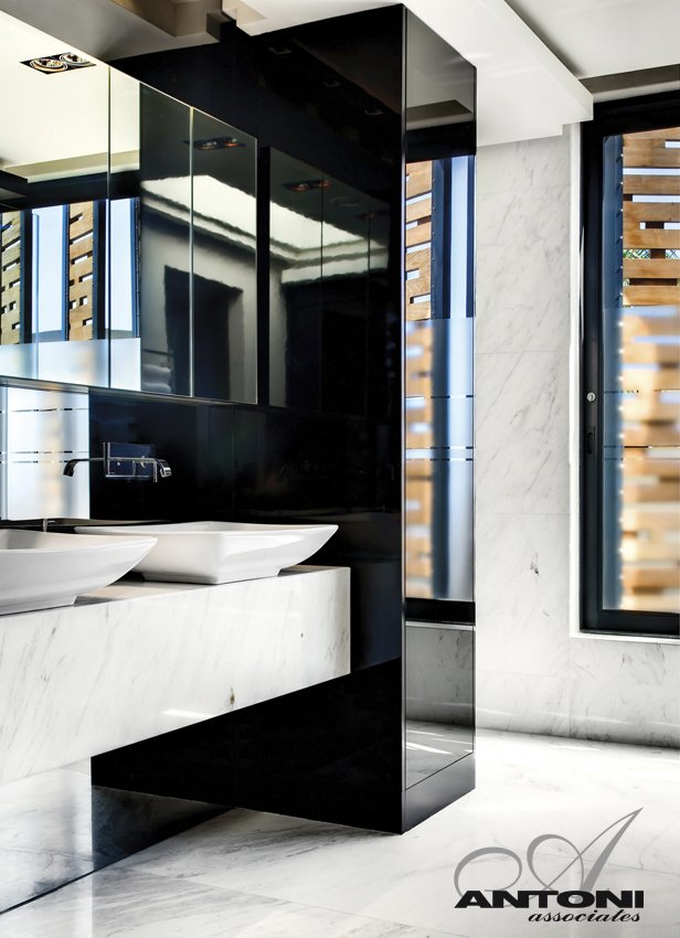 bathroom interior design Modern Residence on Head Road 1843 by Antoni Associates in Cape Town