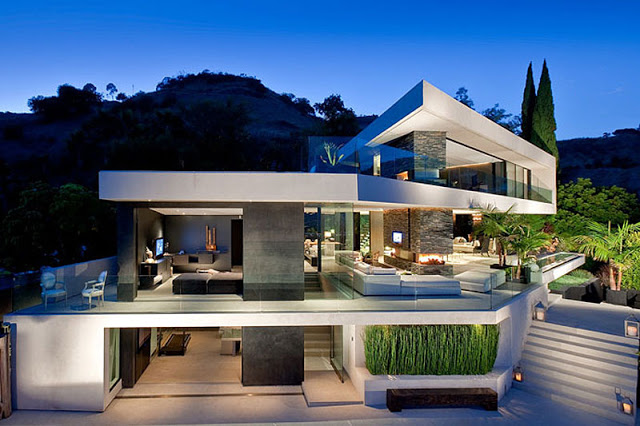 exterior view OpenHouse-Designed-by-XTEN-Architecture-Modern-Hollywoodian-Mansion-in-California-homesthetics