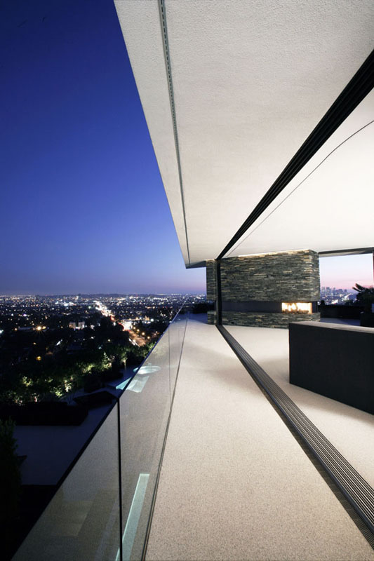 expansive views OpenHouse-Designed-by-XTEN-Architecture-Modern-Hollywoodian-Mansion-in-California-homesthetics