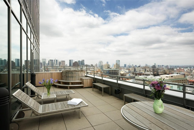 patio terrace area with great view Sculpture-For-Living-Duplex-Penthouse-Located-in-Astor-Place-New-York-homesthetics-modern-mansion