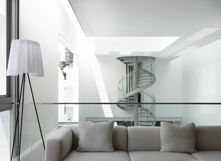 sculptural staircase  Slim-Luxurious-Dream-Home-Envisioned-by-Hyla-Architects-in-Singapore