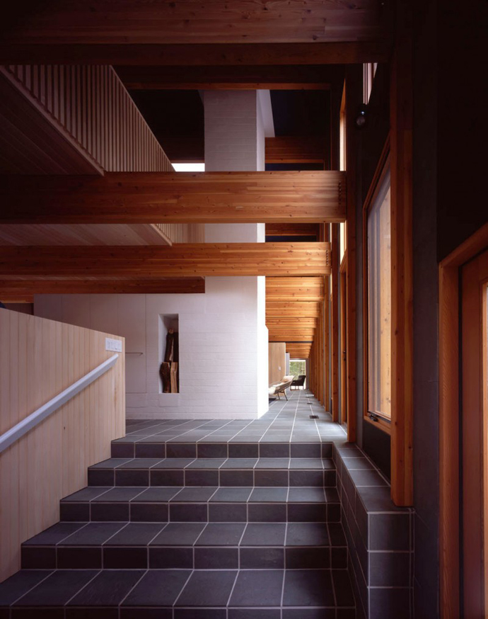 staircase in the Small Modern Mansions in The Forest - Yingst Retreat by Salmela Architect