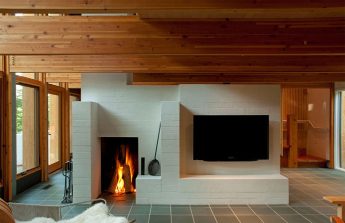 black and white interior design in the Small Modern Mansions in The Forest - Yingst Retreat by Salmela Architect