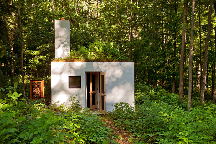 small white Small Modern Mansions in The Forest - Yingst Retreat by Salmela Architect