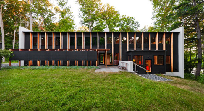 facade Small Modern Mansions in The Forest - Yingst Retreat by Salmela Architect