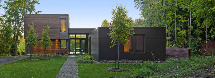 central courtyard detail T House-Modern Mansion by Natalie Dionne Architecture in Sutton, Canada