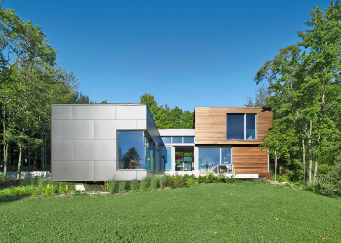 main facade T House-Modern Mansion by Natalie Dionne Architecture in Sutton, Canada