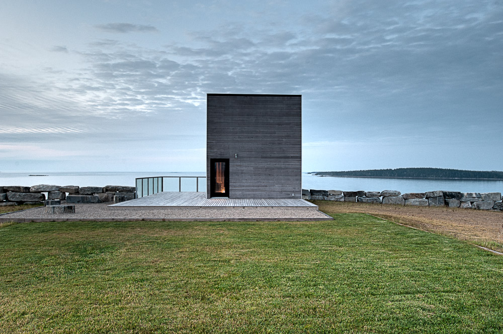 Two-Storey Peaceful Retreat -Cliff View House in Nova Scotia homesthetics modern mansion (2)