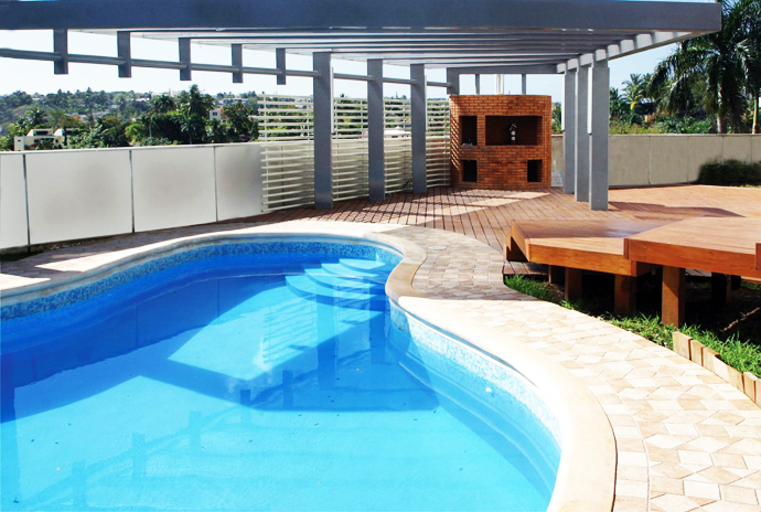 swimming pool of the Unusual Modern Mansion-Tingo and Fenny House by Pons Arquitectos in Santo Domingo homesthetics (3)
