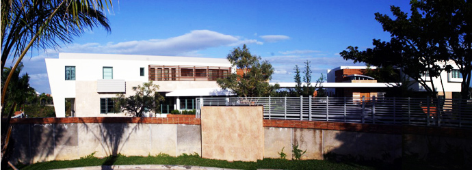 street view of the Unusual Modern Mansion-Tingo and Fenny House by Pons Arquitectos in Santo Domingo homesthetics (3)