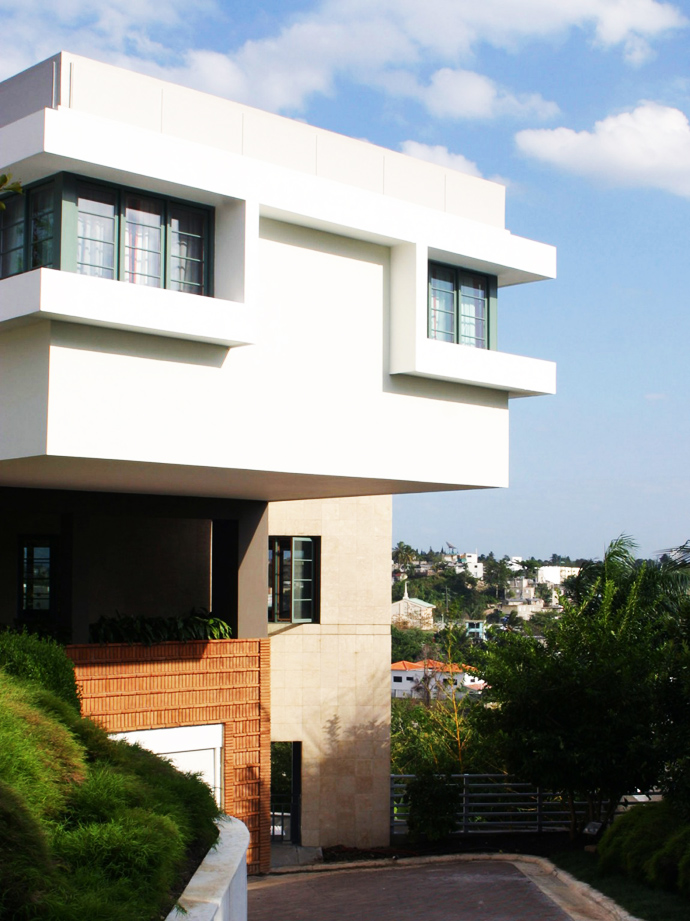 cantilevered volume in the Unusual Modern Mansion-Tingo and Fenny House by Pons Arquitectos in Santo Domingo homesthetics (3)