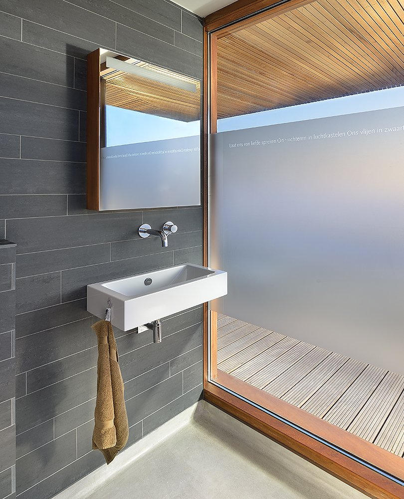modern bathroom design Villa Rieteiland-Oost by Egeon Architecten