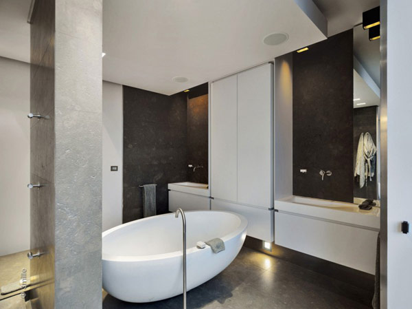 black and white bathroom Water Cleaning Station Transformed in a Impecable Modern Mansion homesthetics (1)